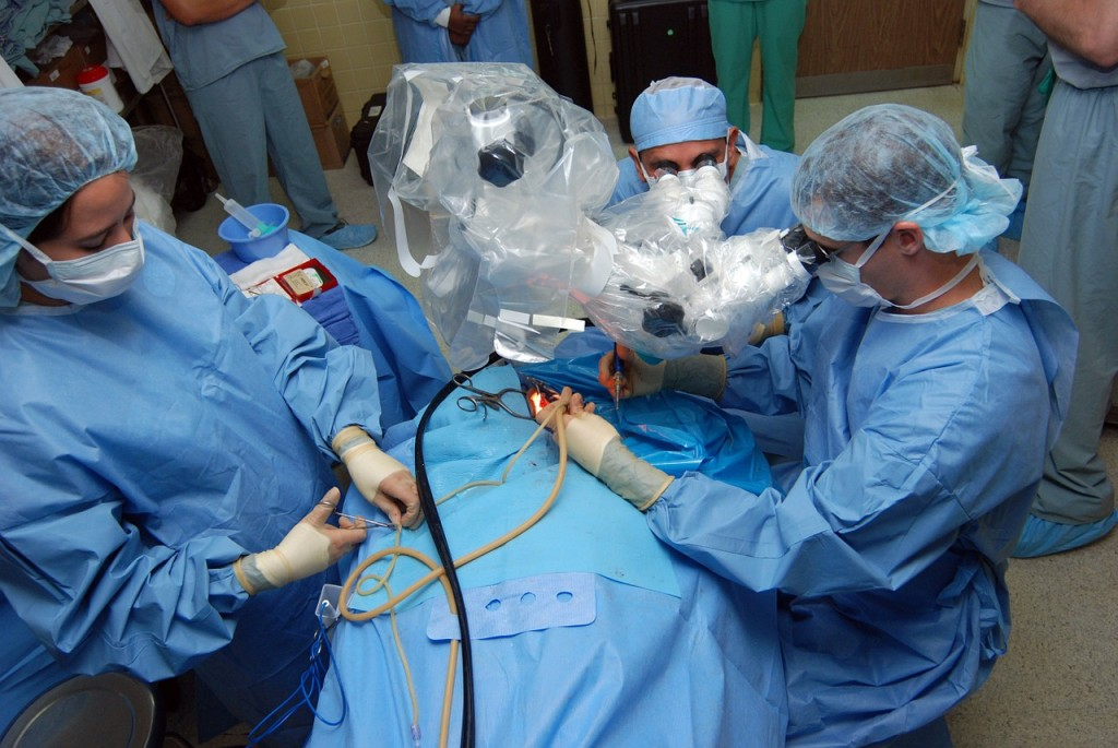 surgery-708507_1280